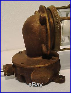 Vintage PAULHAM Marine Wall Mount Brass Passage Light / Lamp Made in USA (A)