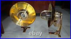 Vintage marine brass ship wall passageway light 2 pics 100% original